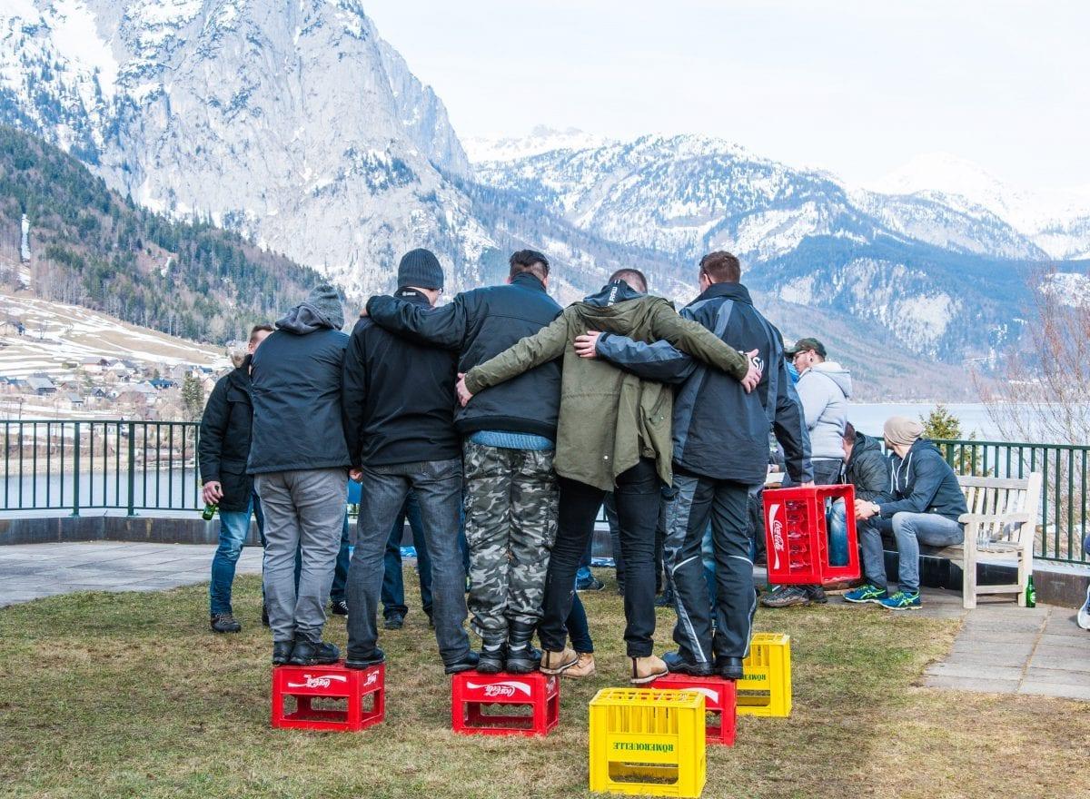 ms-CNS 5 Jahresfeier Mitarbeiterevent - Kistenüberquerung
