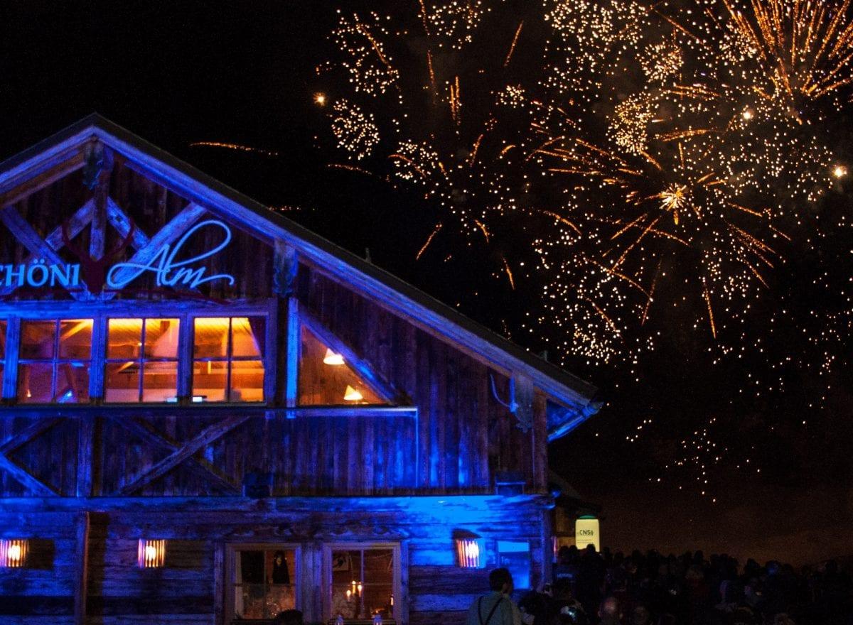ms-CNS 5 Jahresfeier Mitarbeiterevent - Feuerwerk auf der Schöni Alm
